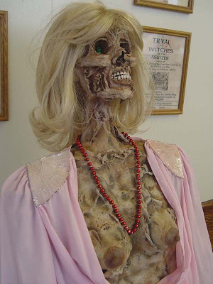 horror 19 Boneka boneka Ngeri