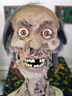 horror 24 Boneka boneka Ngeri