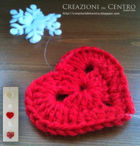 Addobbi natalizi con i cuori di lana creazioni del centro for Addobbi natalizi per porte