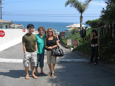 Buddy's brother Sonny, sisters Beth and Ineng, and niece Nisha in Los Angeles, California, USA