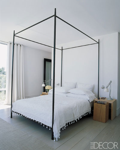 Dwellers without decorators white bedding easy and chic for Elle decor beds