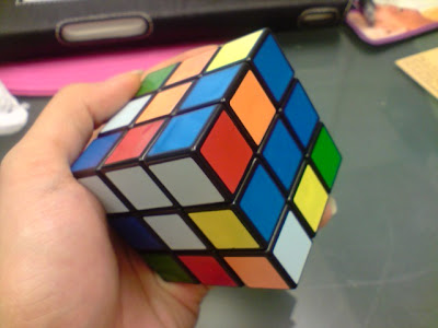 This CRAZE of Bubblies Tea & Rubik's Cube!