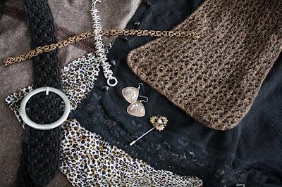 neutral colors, jewelry, earrings, scarf, pin, chain bracelet, pattern, texture, tweed, lace, alpaca, knit