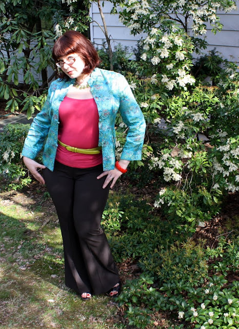 today's outfit, WIWT, Chinese-style jacket, Tahari trousers, pink tank, Fluevog sandals
