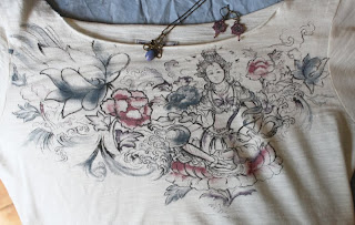 Lucky Brand top, graphic tee, Art Nouveau necklace, bead earrings