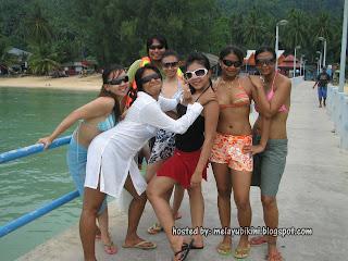 Gambar Bogel Why Lelaki Melayu Love Skodeng Melayu Bikini?   Melayu Boleh.Com