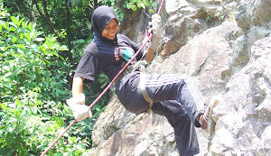 ABSEILING & REPELLING