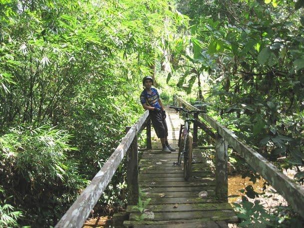 Riding kat Kpg. Benuk, Jln Puncak Borneo (07.06.2009)