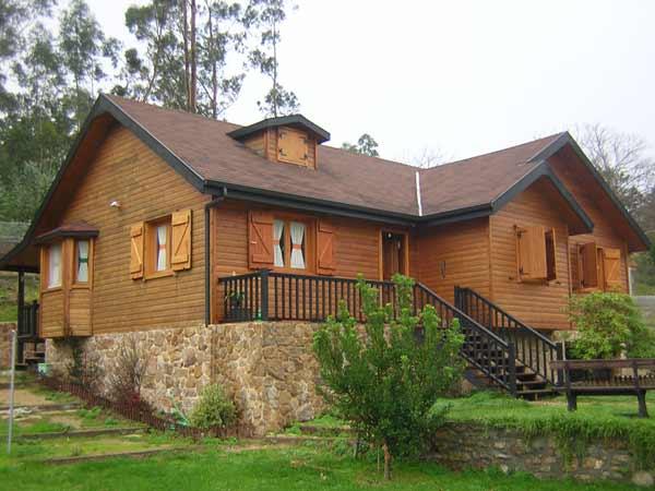 Estuco y madera madera - Fotos de casas de madera y piedra ...