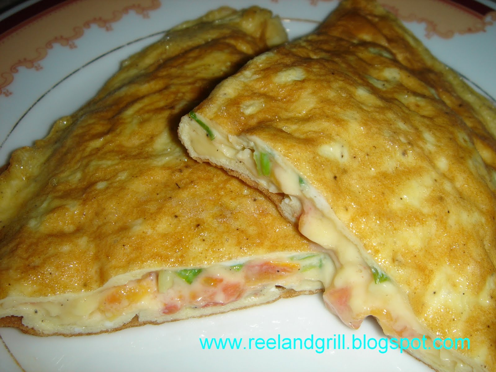 Reel and Grill: Tomato and Cheese Omelette
