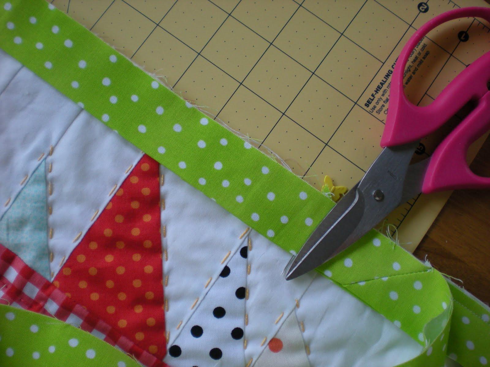 Molly Flanders: A Tutorial: French Binding...Ooh,la,la! : ending quilt binding - Adamdwight.com