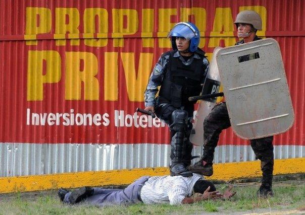 No al Golpe en Honduras! No a la represión a campesinxs, obrerxs, las feministas y LGTTB