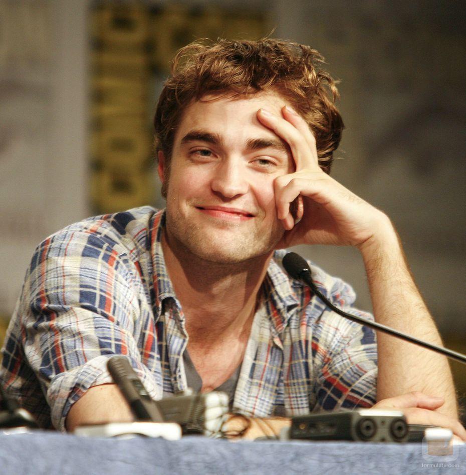 Robert Pattinson: Celebrity Gossip: Celebrity-Robert Pattinson