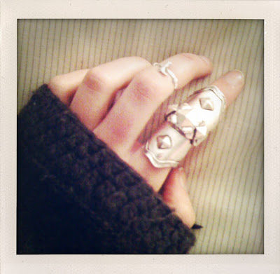 low luv armor knuckle ring. low luv armor knuckle ring. low luv knuckle duster.