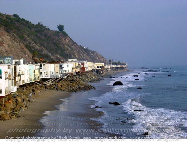Remodeling beach house in malibu minimalist home dezine for Malibu california beach houses
