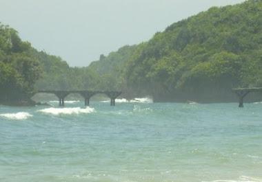 Pantai Balaikambang Malang