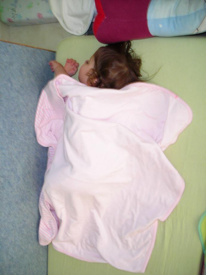 [sleeping+at+school+april+08]