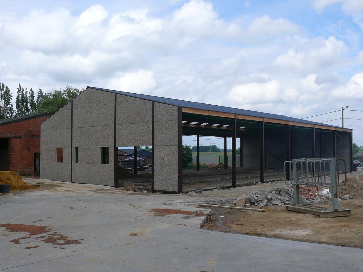 La ligule fin du gros oeuvre du hangar 07 06 10 for Plan hangar agricole