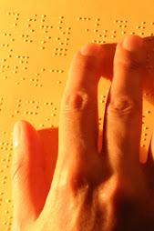 Les yeux au bout des doigts