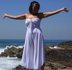 Os meus sonhos nunca dormem, sossegam somente por vagas horas quando as nuvens se encostam ao vento