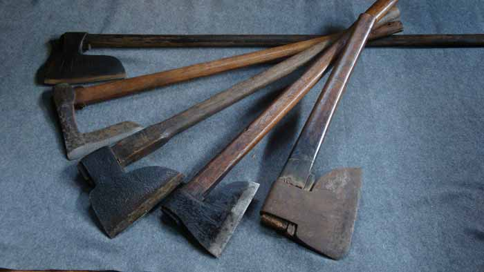 Beautiful axes, Japanese carpentry tools