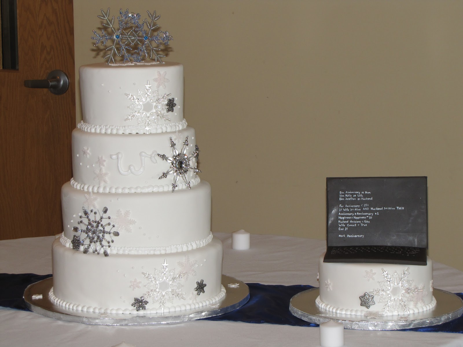 TJ Happy Cakes Snowflake Wedding Cake