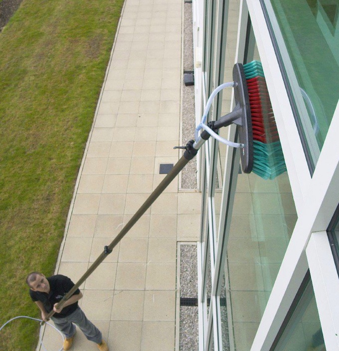 Robinson Solutions Professional Window Cleaning European