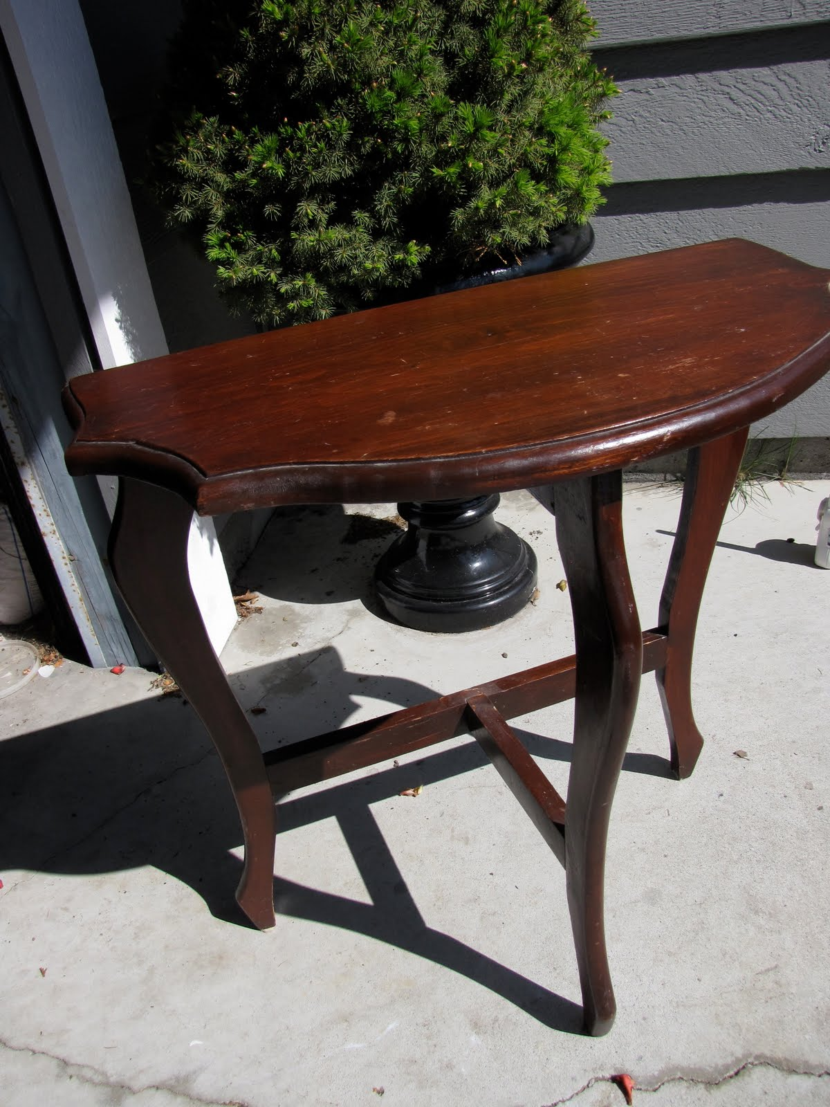 Remodelaholic striped half moon table for 1 2 moon table