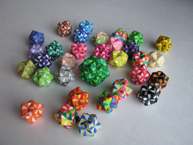 Steve Biddle Essential Origami 12- and 30-unit sonobe balls