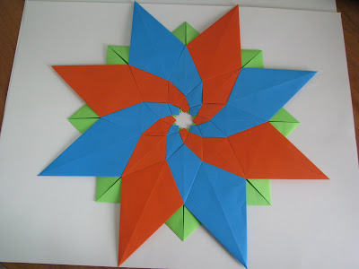 Tomoko Fuse's Origami Quilt Blooming Flowers 1 in Orange, Green, and Blue reverse side