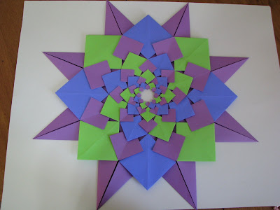 Tomoko Fuse's Origami Quilt Blooming Flowers 1 in Green, Blue, and Purple