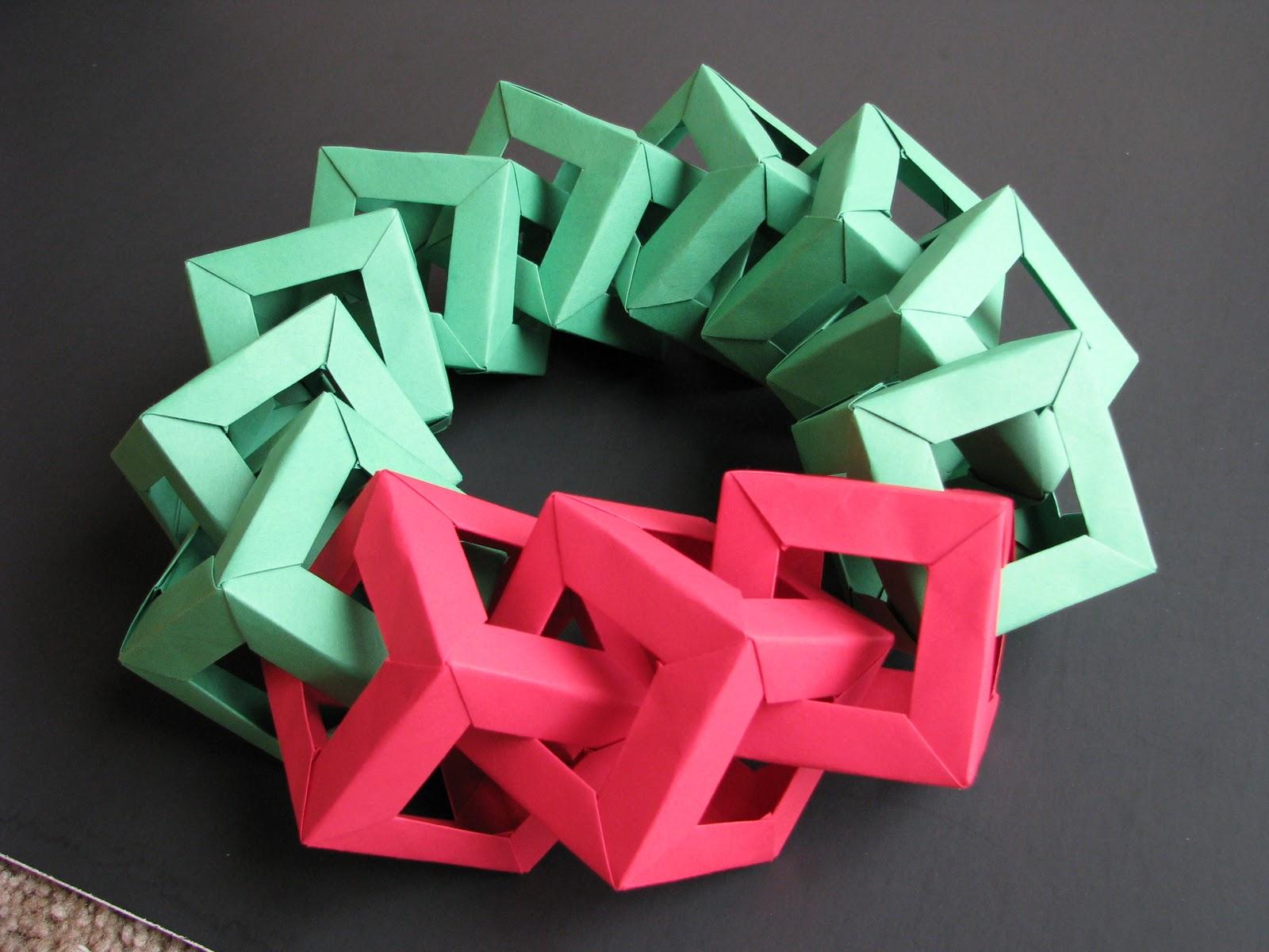 Stephen s origami origami christmas decorations origami wreath