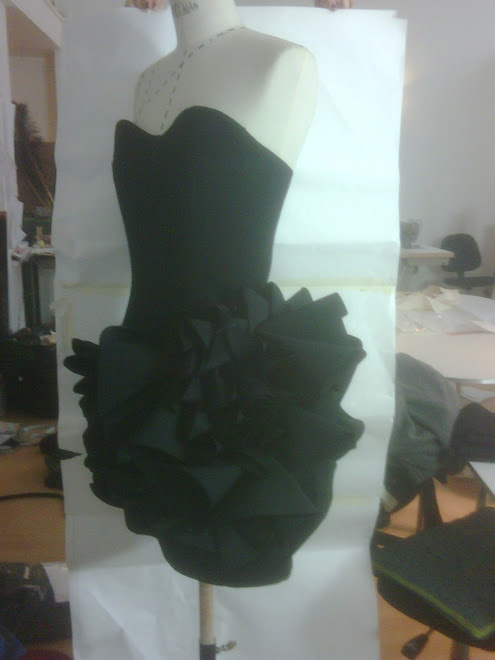 another Sneak peek dress of A/winter 2009 collection coming in feb!!!