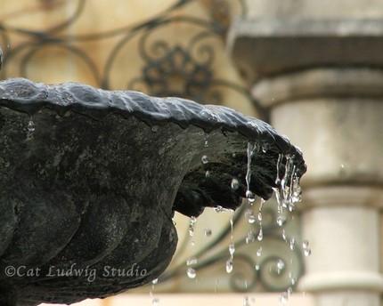 [Plaza+Fountain+too]