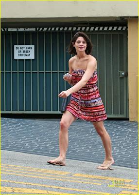 Imagenes/Videos Paparazzi Cast Ashley-greene-nikki-reed-01%5B1%5D