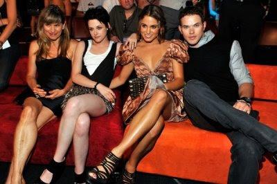 Teen Choice Awards y People's Choice Awards 2009 - Página 3 Normal_007