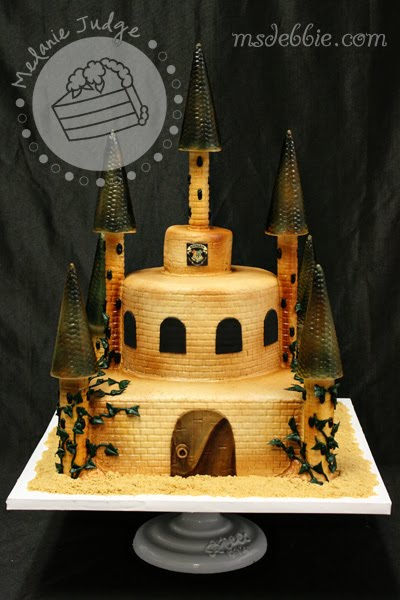 sci fi, hogwarts castle cake