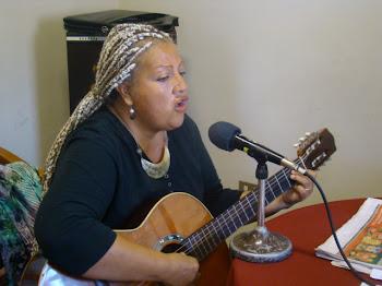 María Alvear