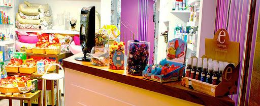 Interior da Pet Shop Mon Petit Ami