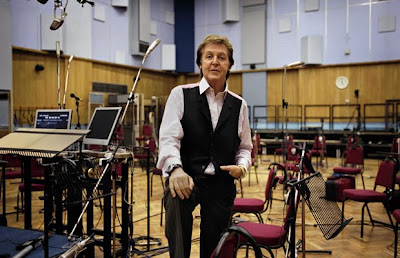 paul-mccartney en estudio de grabacion