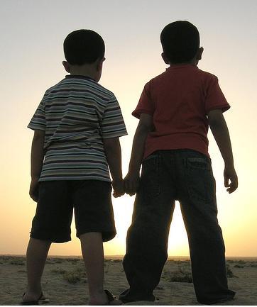 http://1.bp.blogspot.com/_dU4iuM1jTdA/S_AJs0kJtoI/AAAAAAAAAeo/KOq0rYRWvI0/s1600/friendship2.jpg