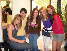 2007 Nov 5 - Sandy y Leslie con las chicas de la Nueva Banda Timbiriche