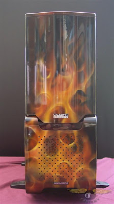 gigabyte pc case airbrush