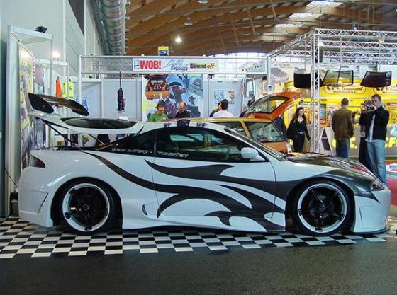 Mitsubishi Tribal Airbrush Design Car Modification