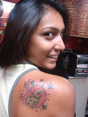 Shoulder Tattoos: Bird and Stars Tattoo on Shoulder Women