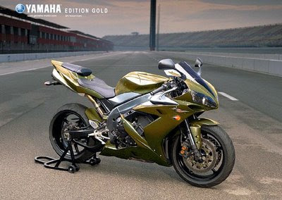 Yamaha-R1-Modified-GoldAirbrush-Paint