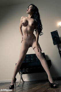Jade vixen naked the world