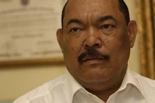 """Alburquerque niega que Vargas Maldonado sea """"nuevo líder"""" del PRD"""