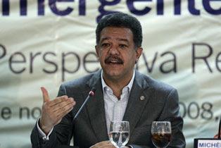 """Fernández reitera su llamado al PRD y demás """"fuerzas vivas"""""""