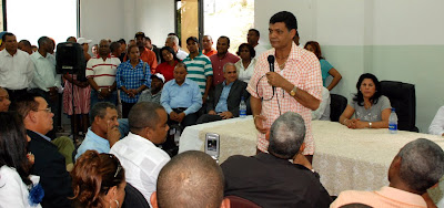 El síndico de Santo Domingo Oeste, Francisco Peña, anunció este jueves su respaldo Miguel Vargas
